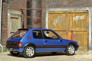 peugeot 205 gti bleu miami icone des youngtimer fran flickr. Black Bedroom Furniture Sets. Home Design Ideas