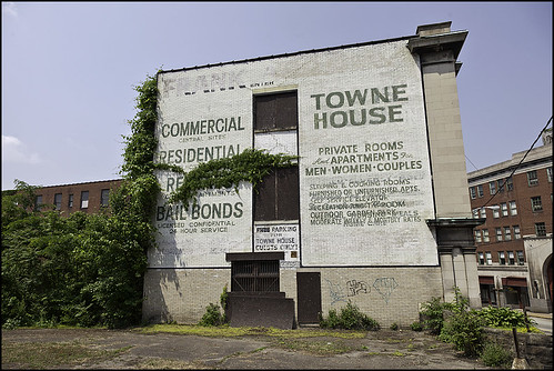 brownsville_marketst_052612_townehouse | by Patty Boh