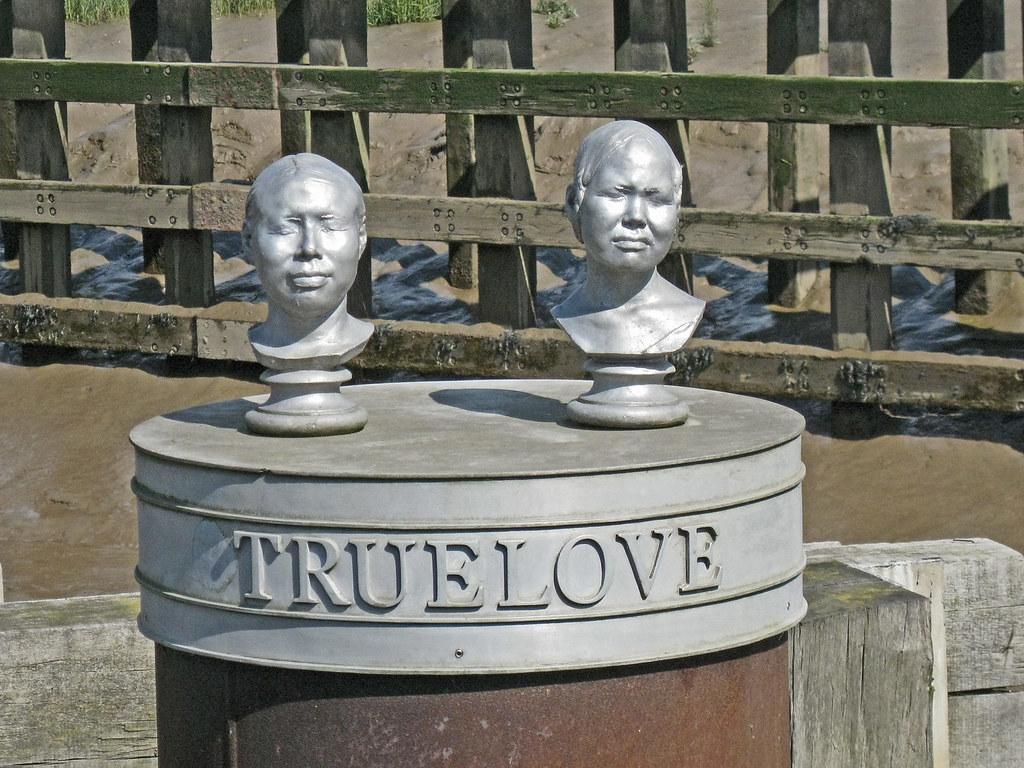 True Love Sculpture, Kingston Upon Hull