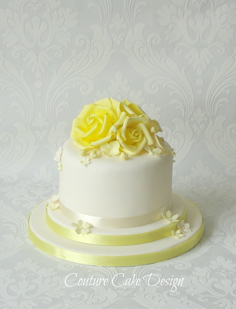 Yellow Roses Wedding Cake | An easy cake for this week, got … | Flickr