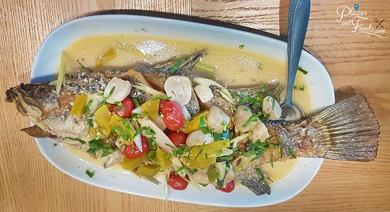 savoey seafood co sukhumvit 26 deep fried snapper