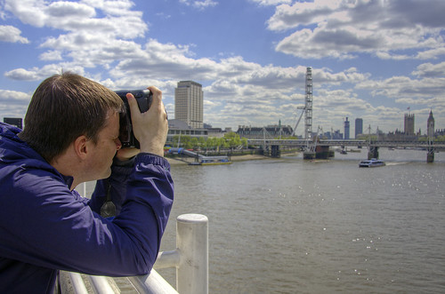 Mattomatto shooting London Eye from Waterloo Bridge | by yorkshire stacked