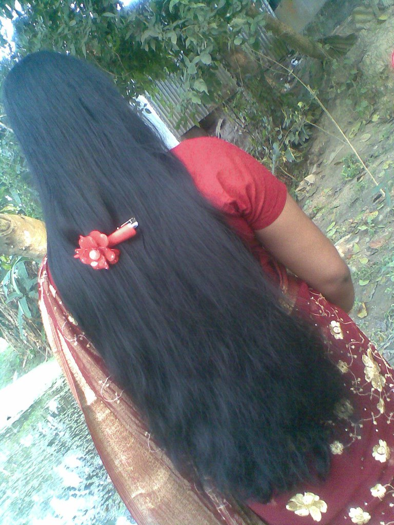 Homely Kerala Girl In Saree With Loose Long Hair Style Flickr