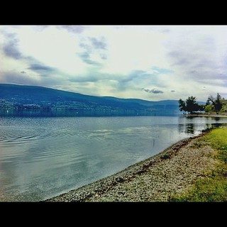 Went for a hike with my friend Christine, the halfway point of which was the lake. Good views, great chats. A great way to start the day, indeed. #ilovetheokanagan | by angellaD