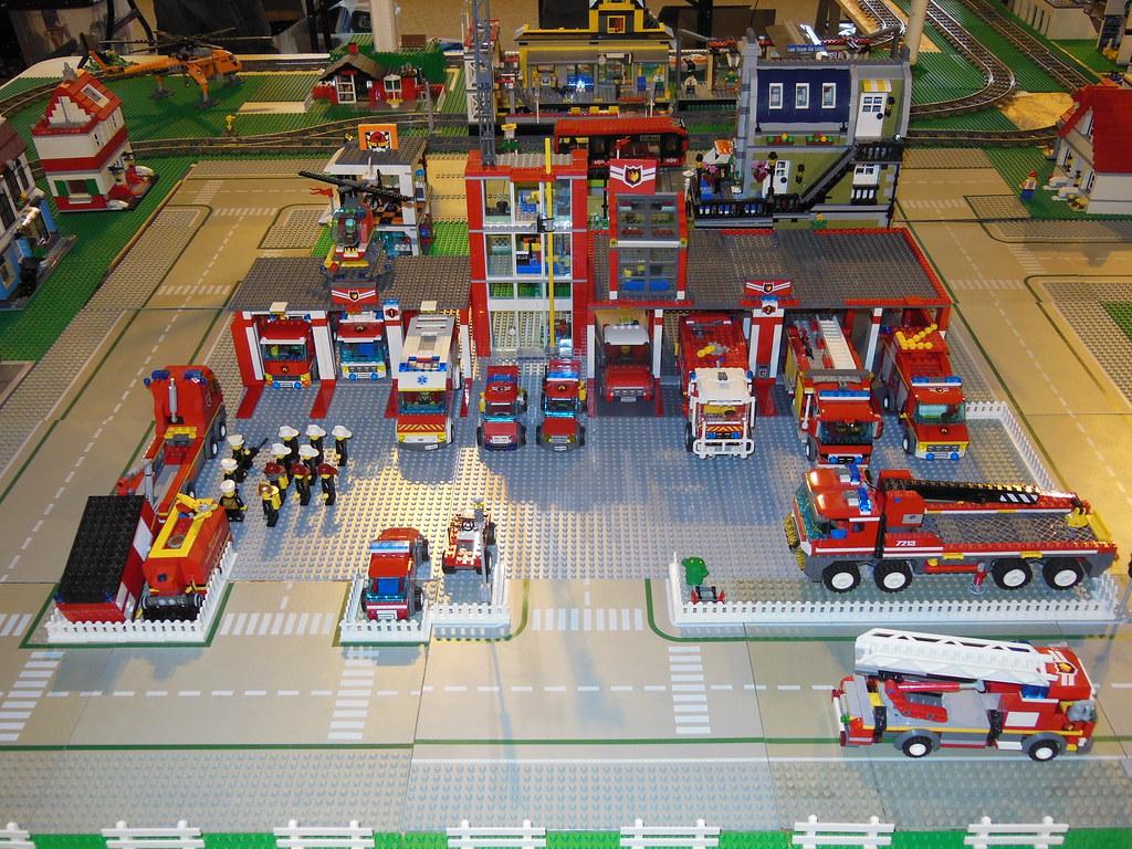 caserne de pompiers lego by xavnco2 - Lego City Pompier