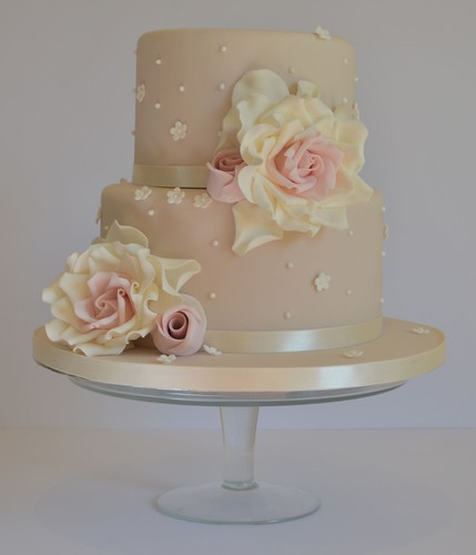 two tier wedding cakes with roses two tier cake this was made at cotton and crumbs 21373