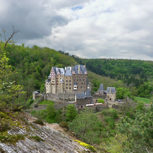 The valley of Burg Eltz | by B℮n