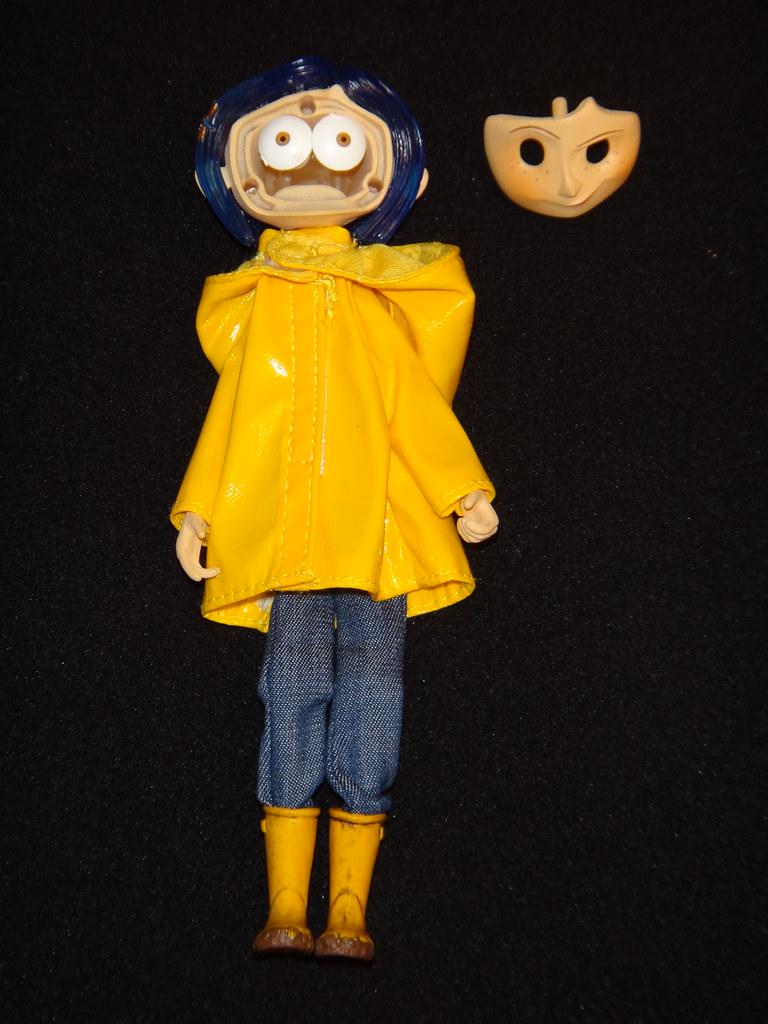 Neca Coraline Raincoat Bendy 7 Doll - Changing Eye -7918