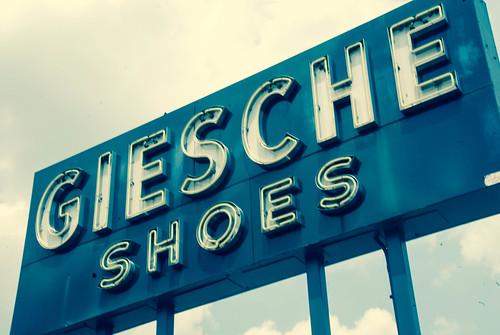 Shoe Store Glen Eagle Shopping Center