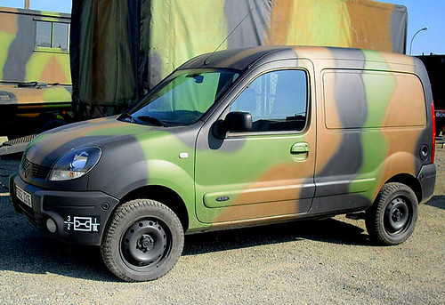 4x4 army renault kangoo boo flickr. Black Bedroom Furniture Sets. Home Design Ideas