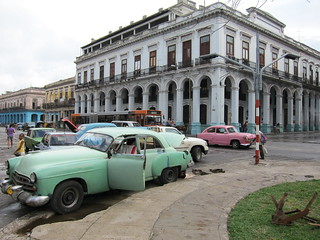 1950s cars, Colonial building | by rscotta
