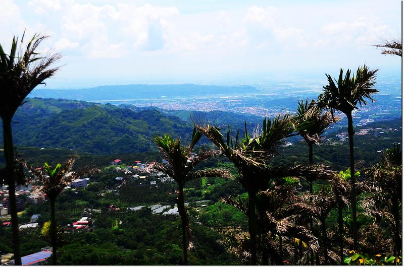 凍頂山俯瞰竹山地區