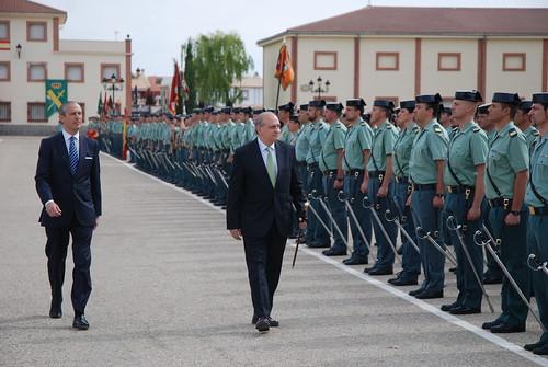 El ministro del interior entrega los despachos a las nueva for Ministerio del interior guardia civil
