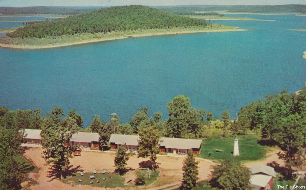 Carter's Lighthouse Point Resort - Bull Shoals, Arkansas