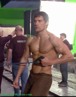 Henry-Cavill-On-the-Set-of-Immortals-Movie- Work-Out-Image ...