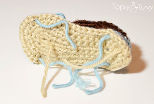 crochet-baby-sandals-bottom-ends | by ashleemarie.com