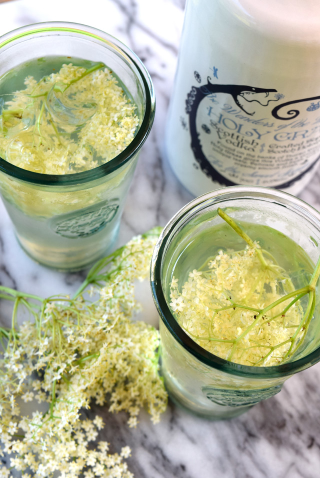 Elderflower Mules with Holy Grass Vodka | www.rachelphipps.com @rachelphipps
