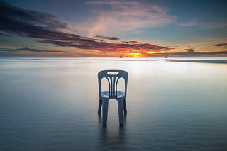 Sitting in the sea | by bubykung
