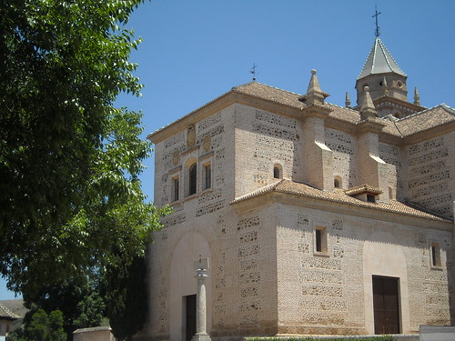 Side shot of the church in Alhambra | by BackpackingSolo