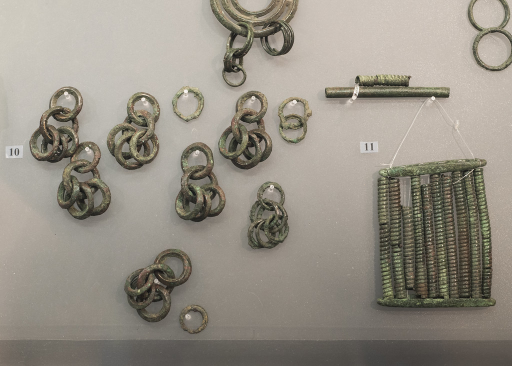 of jades china figure jincun explore a jade asp chains assemblage and gold history ancient from mystery
