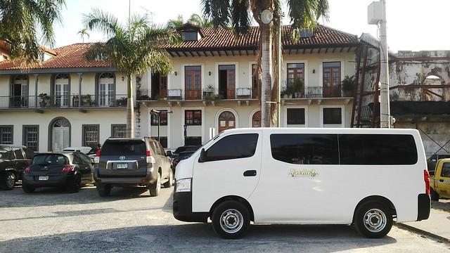 Van 15 pax Panama Old Town