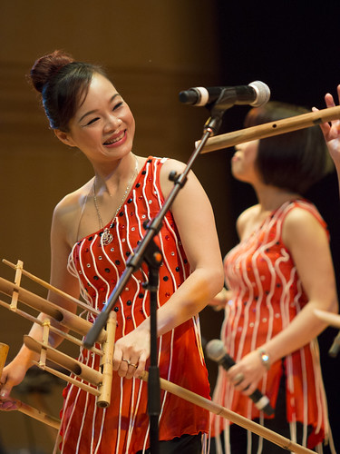 Vietnam traditional music in contemporary mode co - Vietnam airlines kuala lumpur office ...