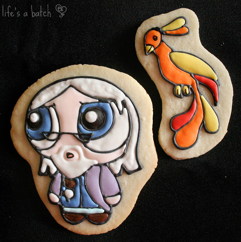Dumbledore & Fawkes Potterpuff Cookies. | by navygreen