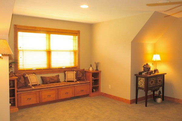 Pleasing Window Seat This Homeowner Decided To Install Custom Made Bralicious Painted Fabric Chair Ideas Braliciousco