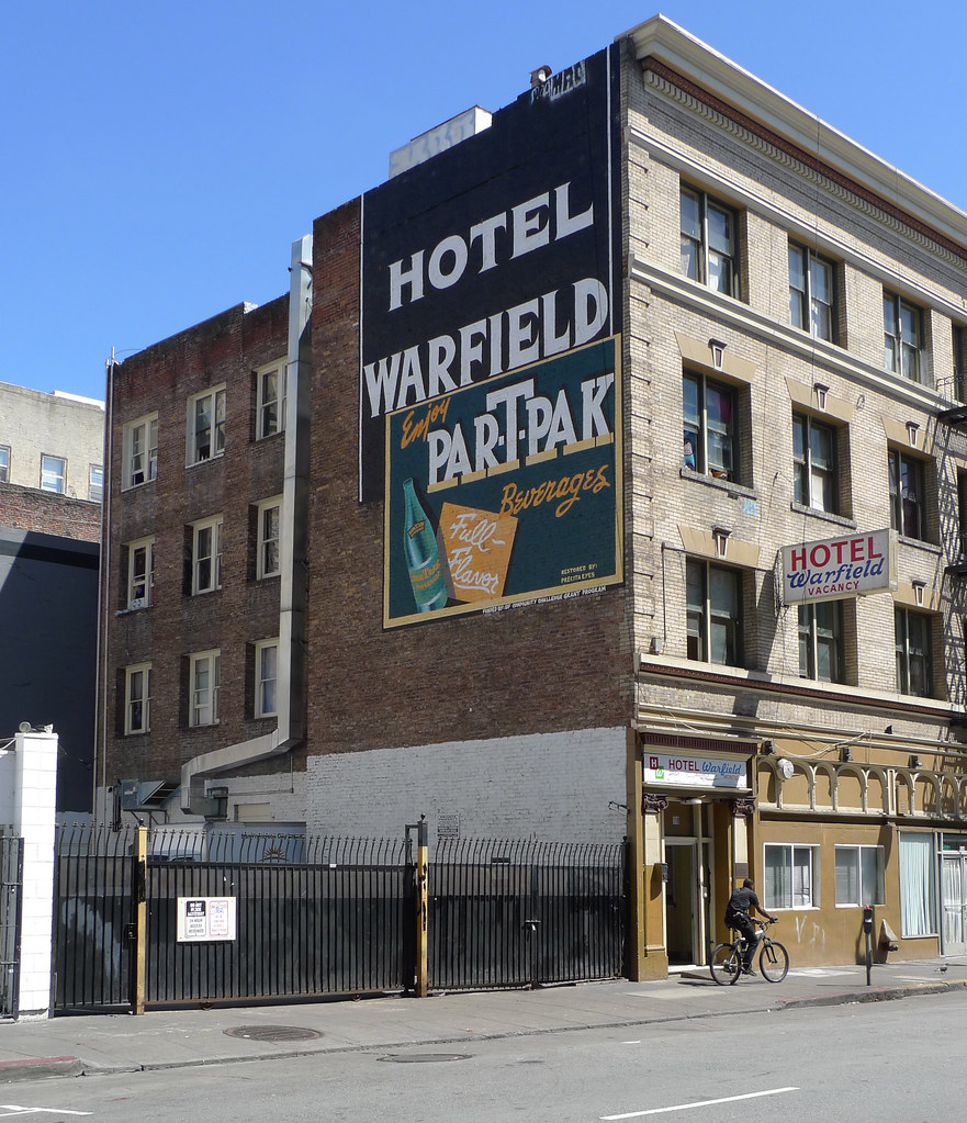 Par-T-Pak (Hotel Warfield in the Tenderloin) | by find myself a city (1001 Afternoons in Chicago)