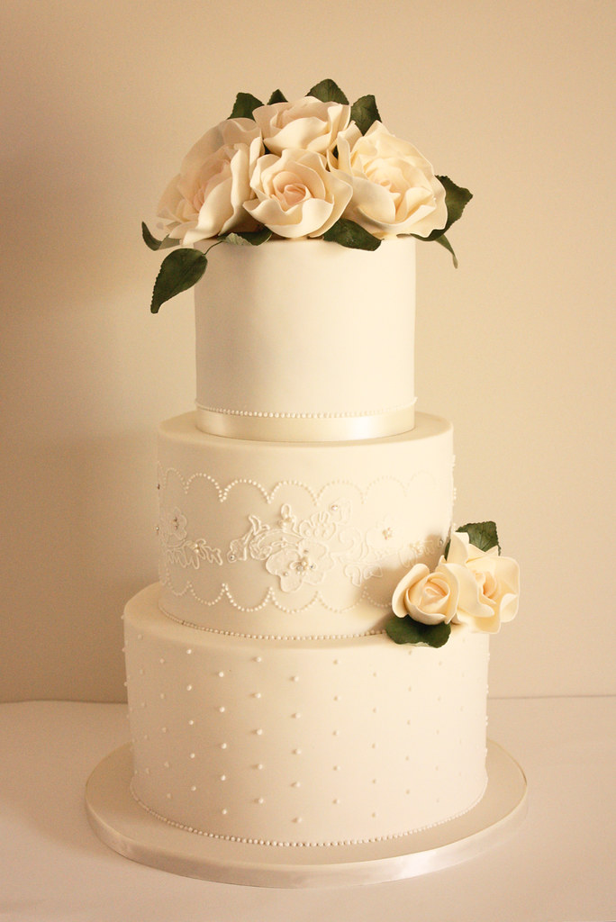 Ivory and lace wedding cake | We had a few of our gorgeous b… | Flickr