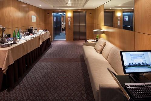 Do Superior Rooms In Knickerboker Hotel New York Have Refridgerators