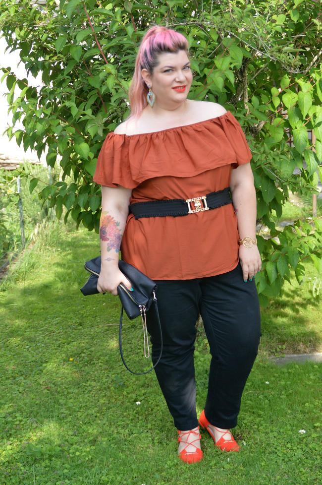 Outfit nero e arancio (7)