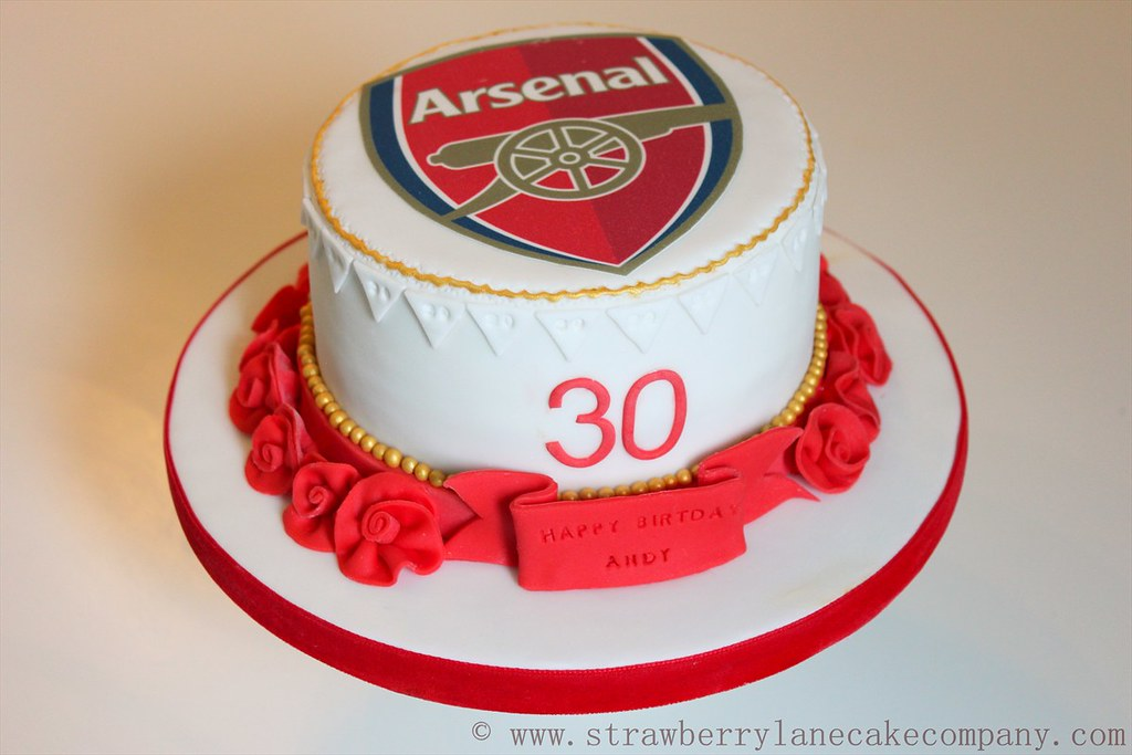 Arsenal Football Cake Made for an Arsenal lovers 30th Bir Flickr