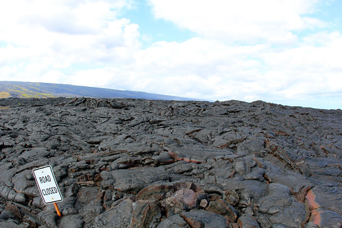 Overview of Road Closed sign & 2002-2004 lava flow | by daveynin
