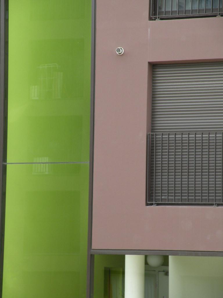 Fond Vert Clair boîte marron sur fond vert clair | mypouss | flickr