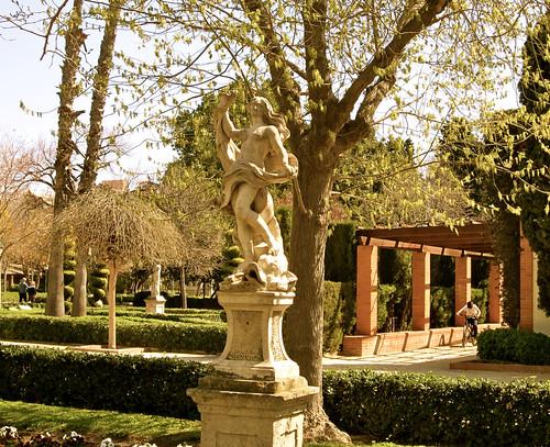 Venus en el jard n de los viveros valencia las cuatro for Vivero 4 estaciones