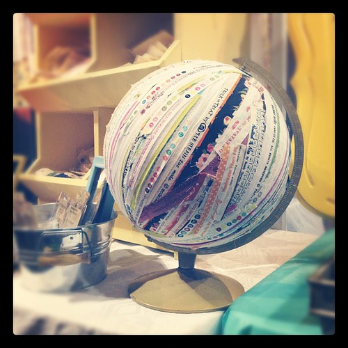 A selvedge globe. I repeat. A selvedge GLOBE! So fun! #snapconf #qbm | by Erin - TwoMoreSeconds