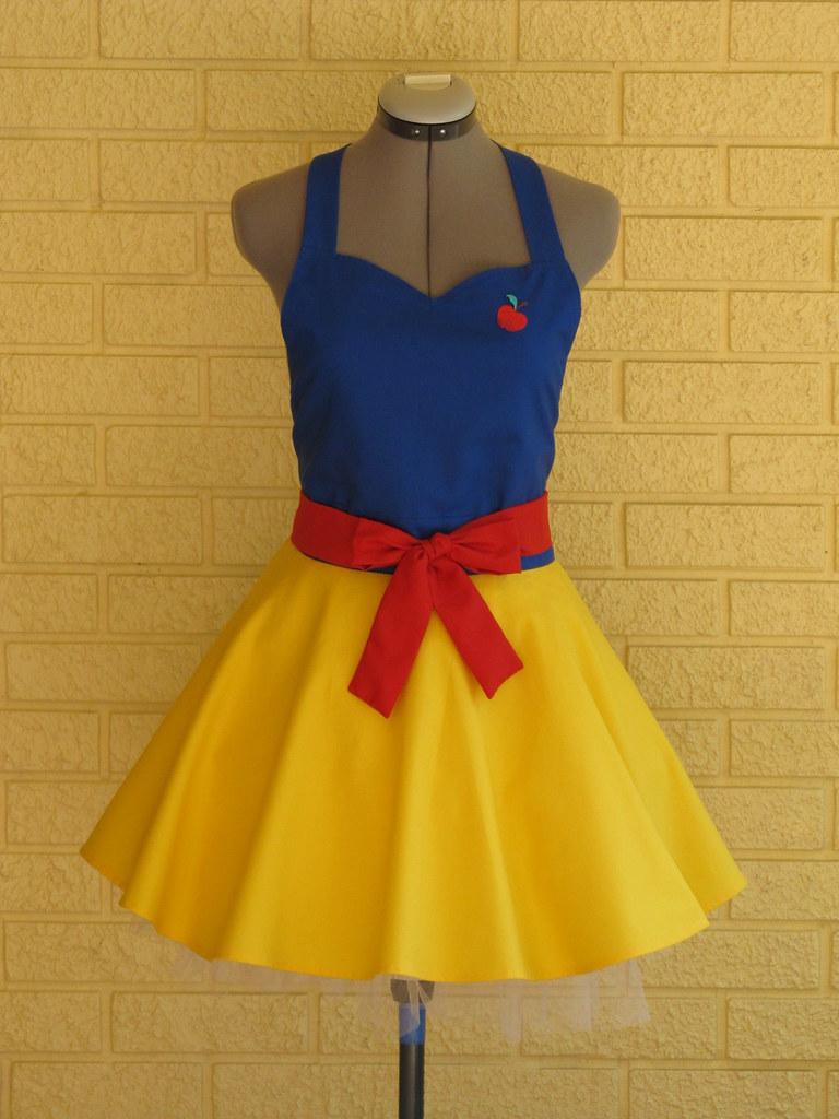 White apron costume -  Aquamarsboutique Snow White Costume Apron By Aquamarsboutique