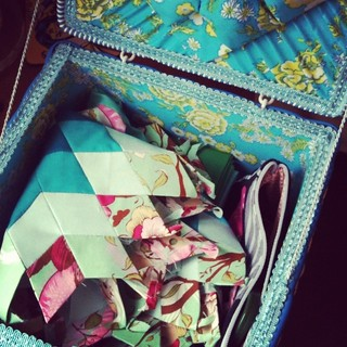 Vintage sewing box, a new home for paper piecing projects | by juliezryan