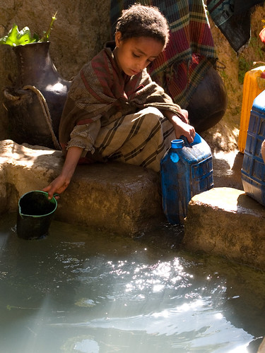 Collecting water, Kotoba, Ethiopia | by Send_a_Cow