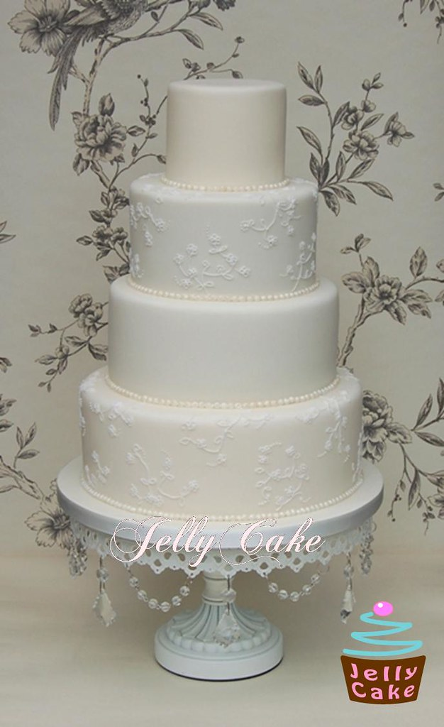 Piped Lace And Pearls Wedding Cake An All Ivory Cake With Flickr