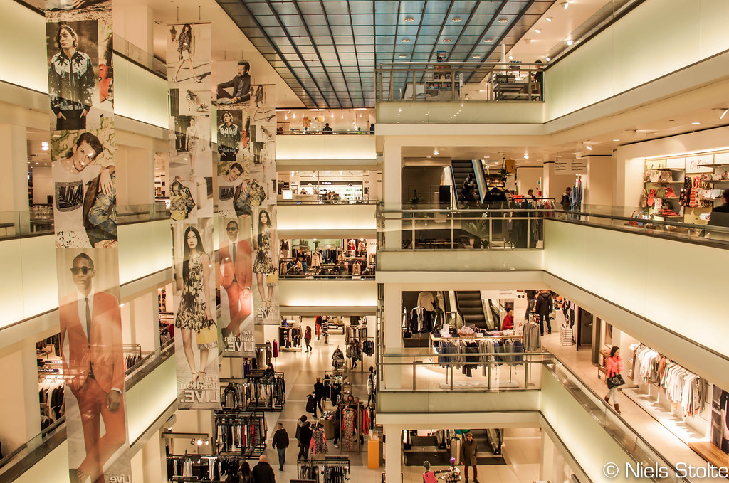 bijenkorf department store interior amsterdam the netherlands by niels photography