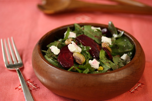 Roasted Beet Salad with Citrus Vinaigrette | by mealmakeovermoms