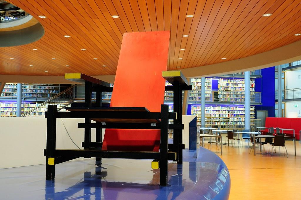 Rood Blauwe Stoel : Rood blauwe stoel red blue chair replica nederlands eenu flickr