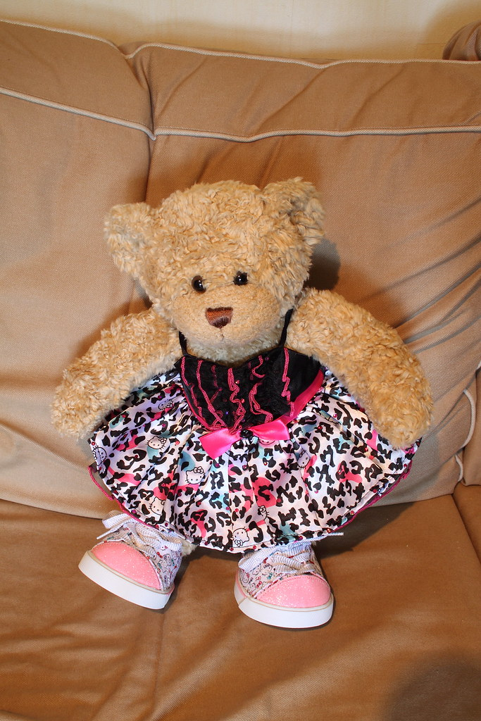 Lucy in Hello Kitty prom dress & trainers | I\'ve named my be… | Flickr