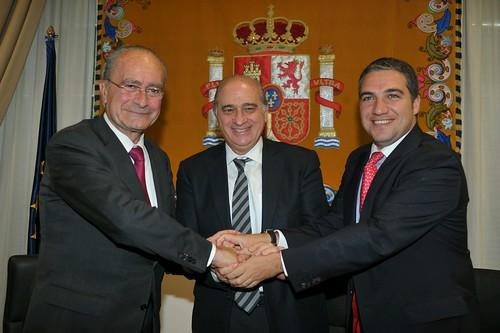 Jorge fern ndez d az ha firmado en m laga un convenio de c for Ministerio del interior horario de atencion