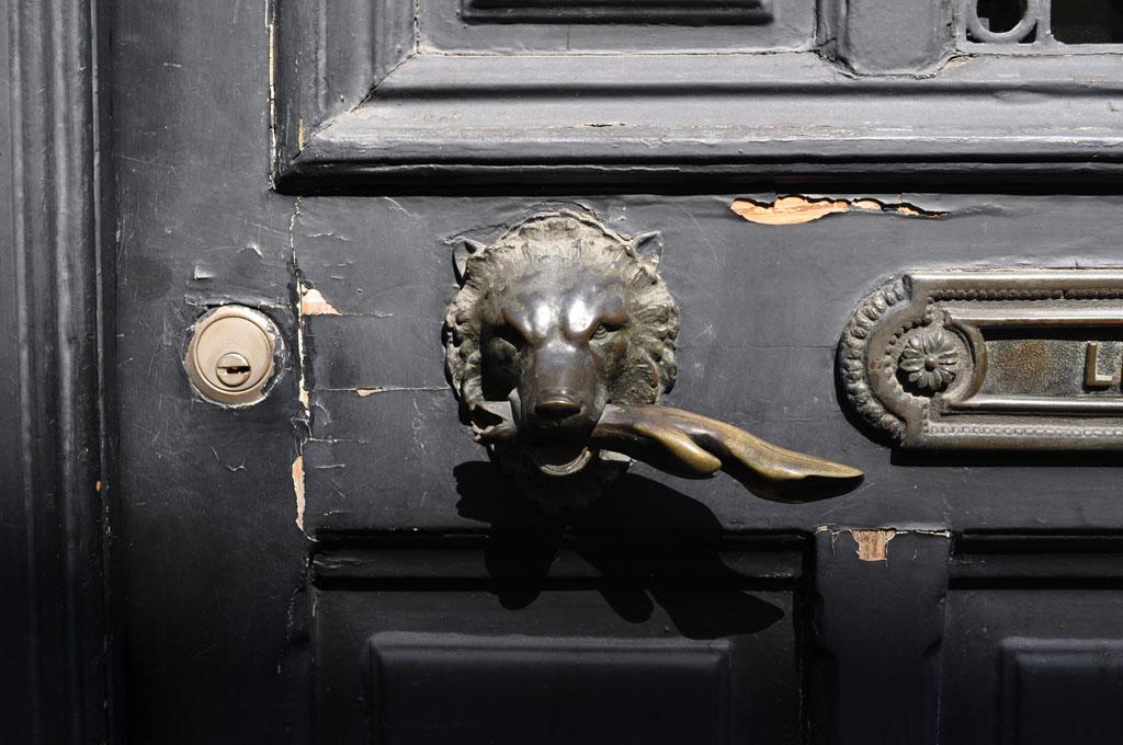 Wolf door handle | by jolyon_russ Wolf door handle | by jolyon_russ & Wolf door handle | Jolyon Russ | Flickr