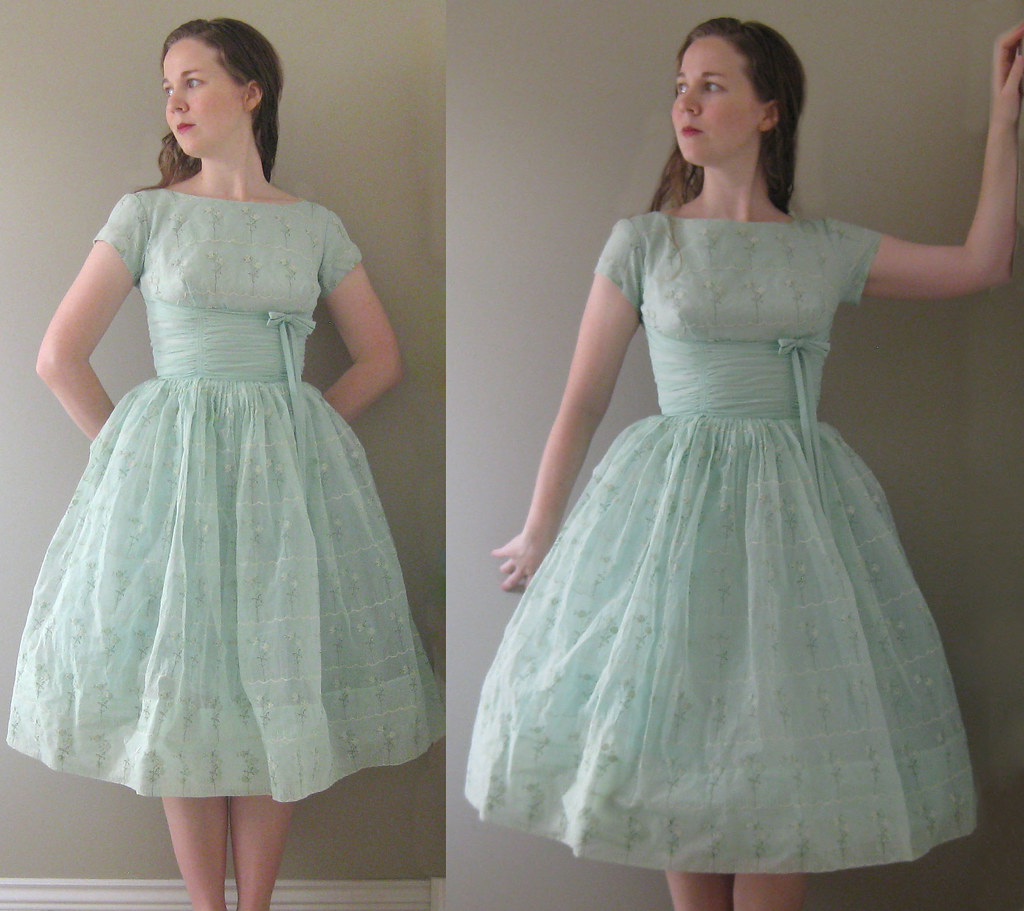 50s Mint Julep Flocked Dress 094 | This 50s chiffon number i… | Flickr