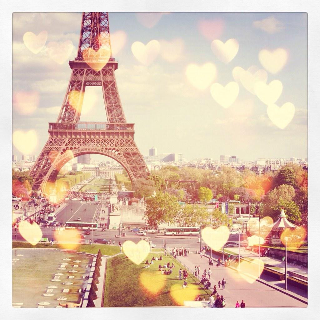 Le Paris Love