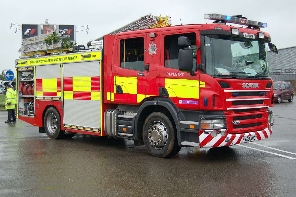Northamptonshire Fire & Rescue Scania KX09NHG - Silverston… | Flickr